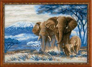 """""""Слоны в саванне"""" Риолис 1144 (крестик)"""