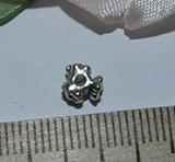 Бусина металлическая серебристая разделитель Три цветочка 4х6мм Ser_28