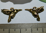 Подвеска металлическая золотистая Колибри 15х18мм