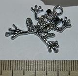 Подвеска металлическая серебристая со стразами Лягушка 26х29мм