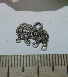 Подвеска металлическая серебристая Слон 12х14мм