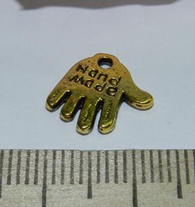 Подвеска металлическая золотистая Ладошка 13х13мм