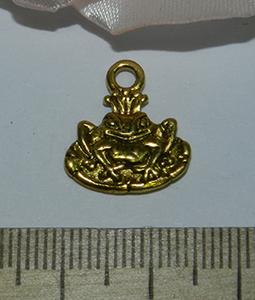 Подвеска металлическая золотистая Лягушка 15х17мм