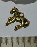 Подвеска металлическая золотистая Лошадь 18х20