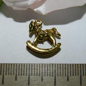 Подвеска металлическая золотистая Лошадка 15х15мм